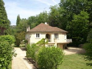 Ferienhaus Maison de vacances - SAINT-CYBRANET