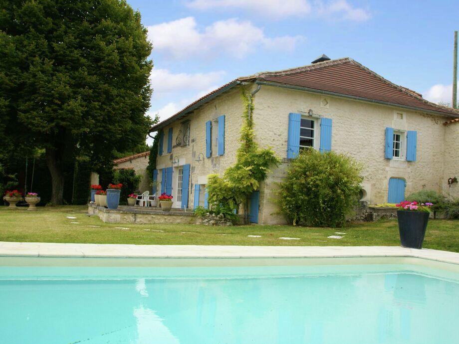 Außenaufnahme Maison de vacances - LUSIGNAC  Gastverblijf