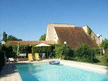 Villa St Julien de Lampon