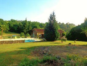 Ferienhaus Maison de vacances - STCERNIN-DE-L'HERM
