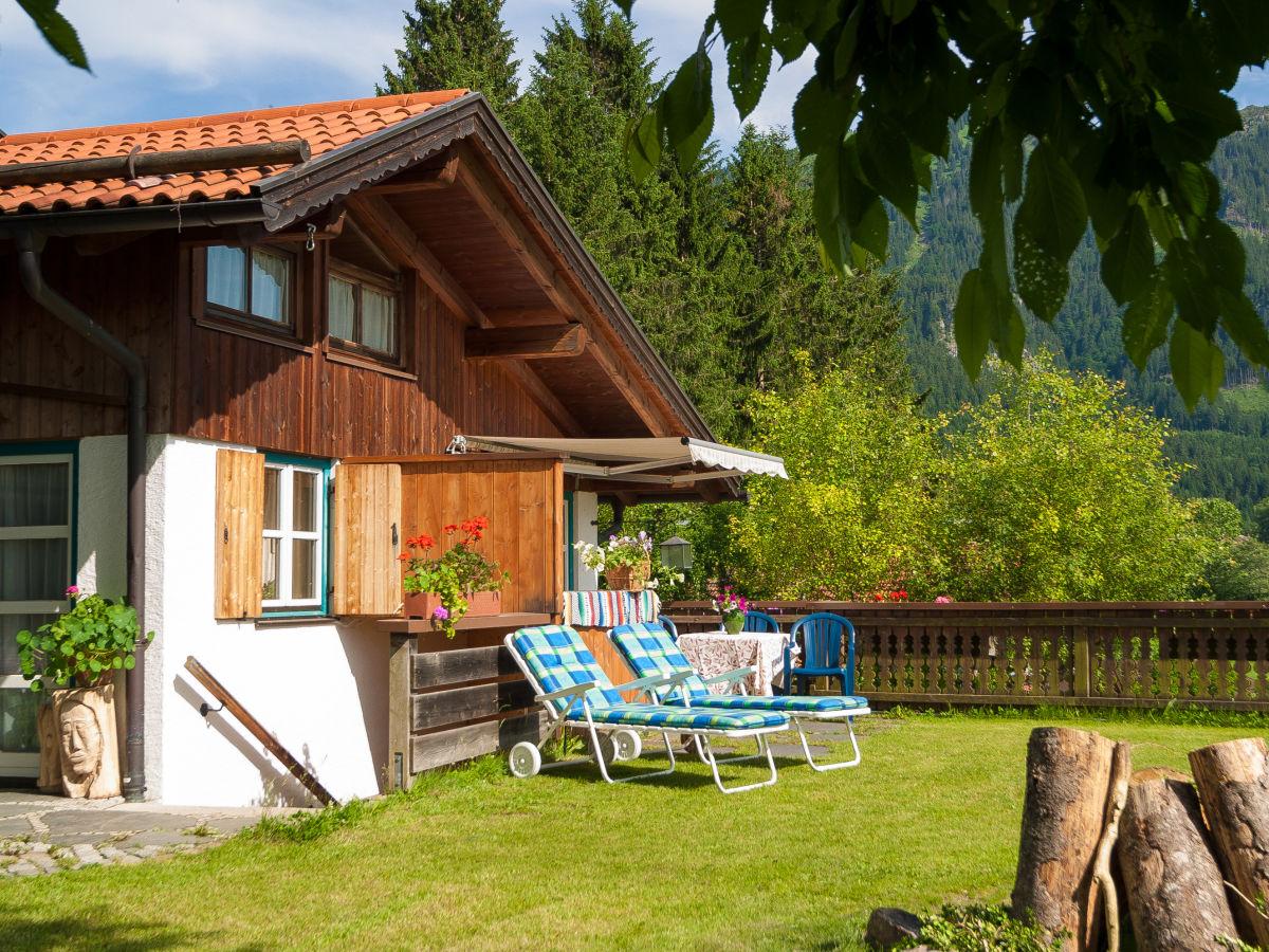ferienwohnung kreitmeir zugspitz region ammergauer alpen oberammergau frau teresa wei. Black Bedroom Furniture Sets. Home Design Ideas
