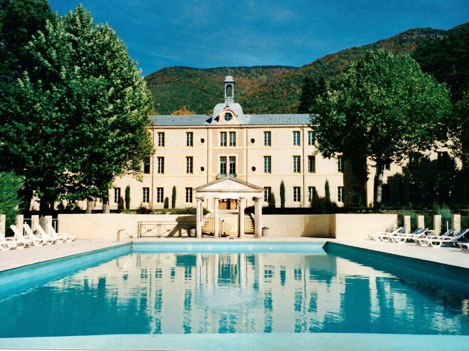 Außenaufnahme Chateau pres du Ventoux