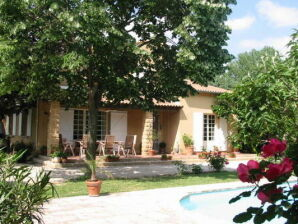 Villa Entre Uzès Arles et Avignon