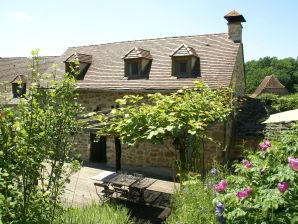 Ferienhaus Maison de vacances - ALVIGNAC-LES-EAUX