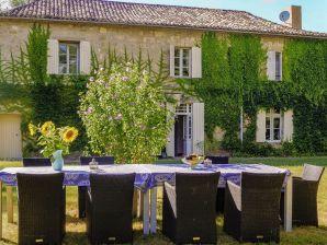 Landhaus La Dame à l'Hermine entre le Dordogne et Lot et Garonne
