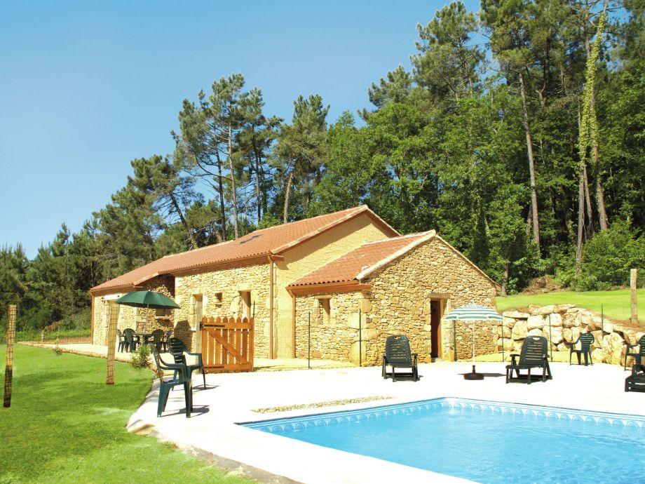 Außenaufnahme Maison de vacances Blanquefort sur Briolance 10 pers