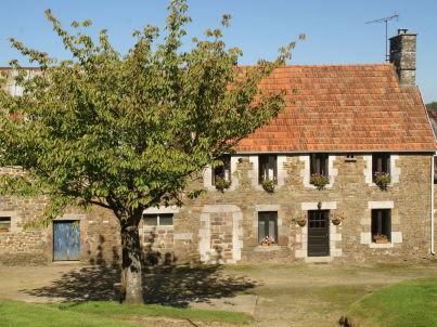 Maison de vacances - SOURDEVAL-LES-BOIS
