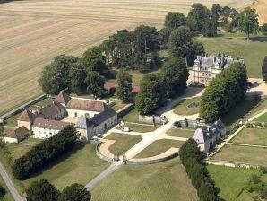 Schloss Tour Est