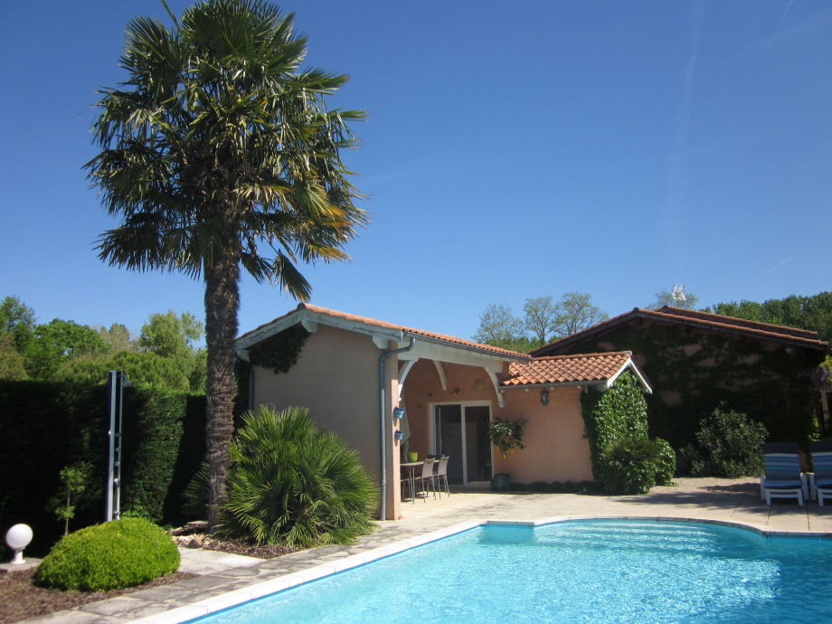 Außenaufnahme Maison de vacances - BARRY D'ISLEMADE