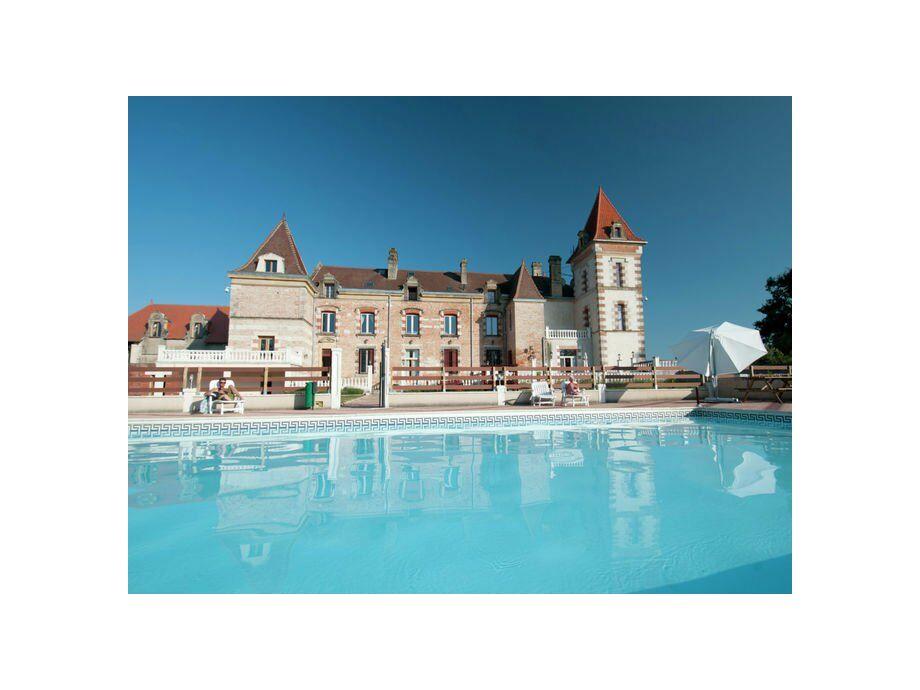 Außenaufnahme Chateau de Lastours - appartement Glycine