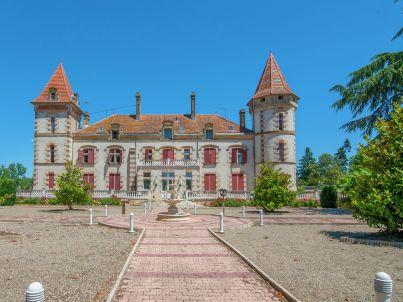 Chateau de Lastours - appartement Jasmin