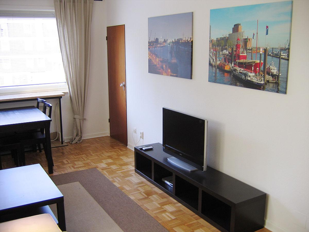 Wohnzimmer Mit TFT Fernseher