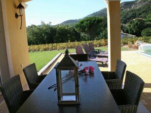 Ferienhaus Villa d'Artagnan en Dumas samen 16 personen