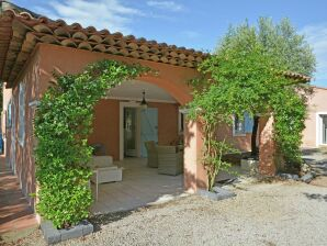 Ferienwohnung Luxury appartment with pool near Sainte Maxime 6 persons