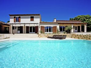 Villa La grande Colline Le Seize