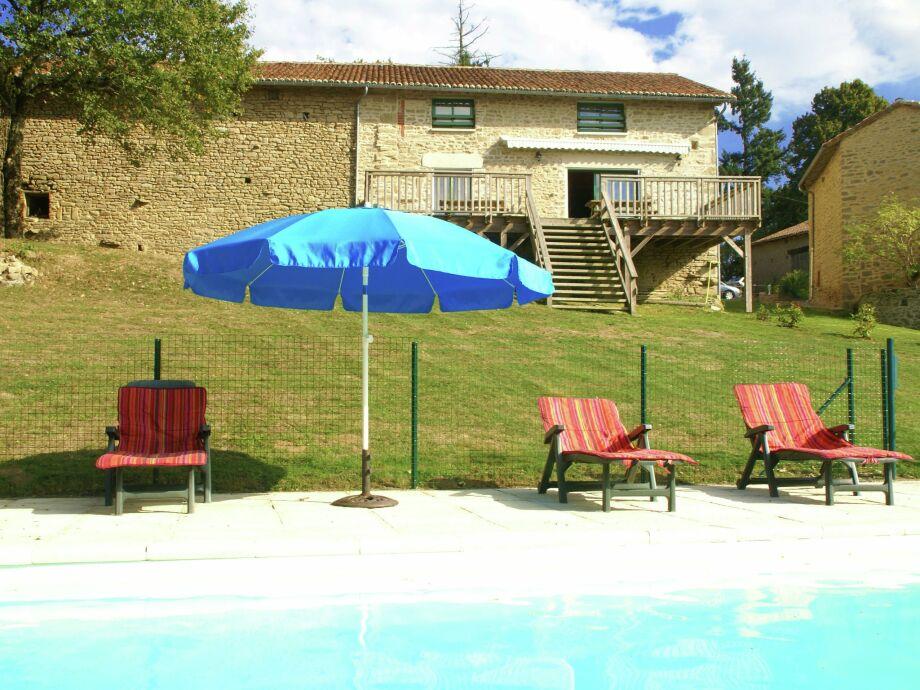 Außenaufnahme Maison de vacances - ROUSSAC