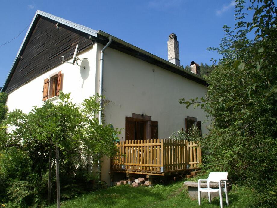 Außenaufnahme Maison de vacances - LES-ROUGES-EAUX