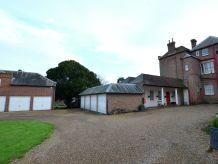 Ferienhaus Courtyard Cottage