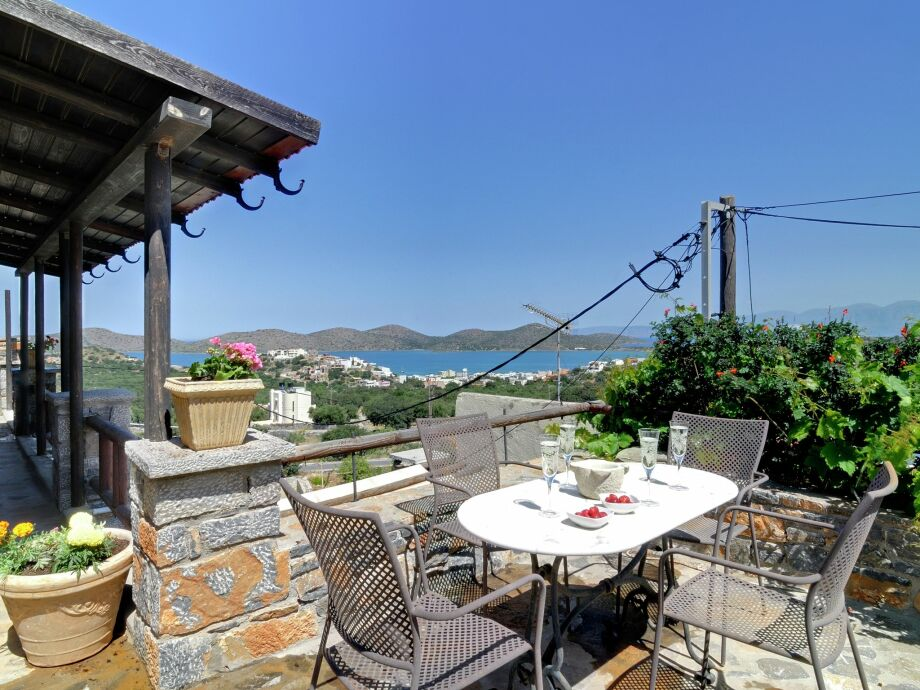 Außenaufnahme Villa Evenos - Elounda Traditional Art Suites
