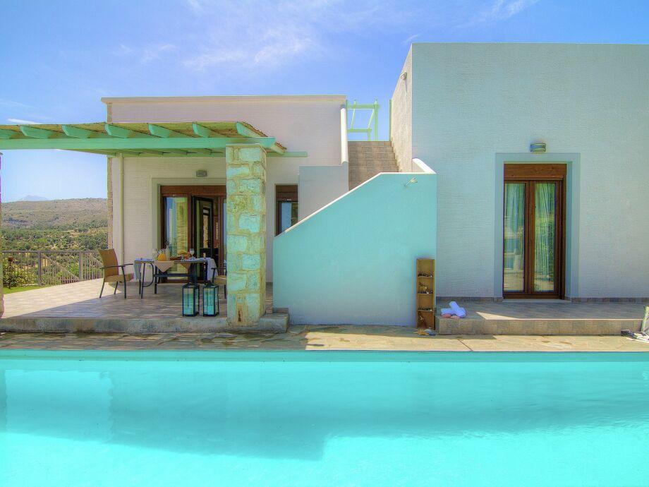 Außenaufnahme Villa Ikaros