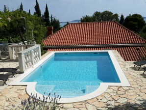 Villa Pool and fruit apartment near Dubrovnik