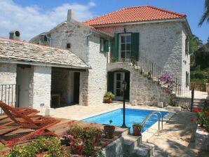 Ferienhaus Villa Maruka