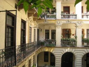 Ferienwohnung Andrassy's corner