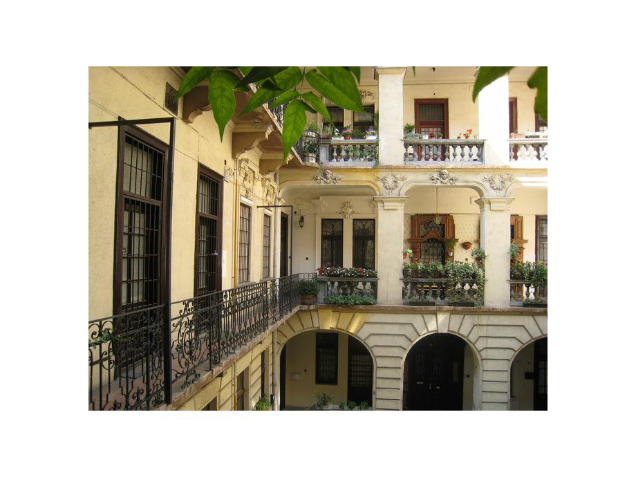 Außenaufnahme Andrassy's corner