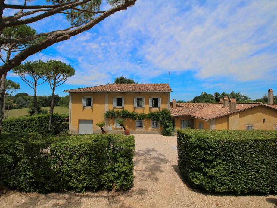 Außenaufnahme Villa Manziana