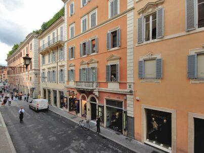 Roma by Fellini