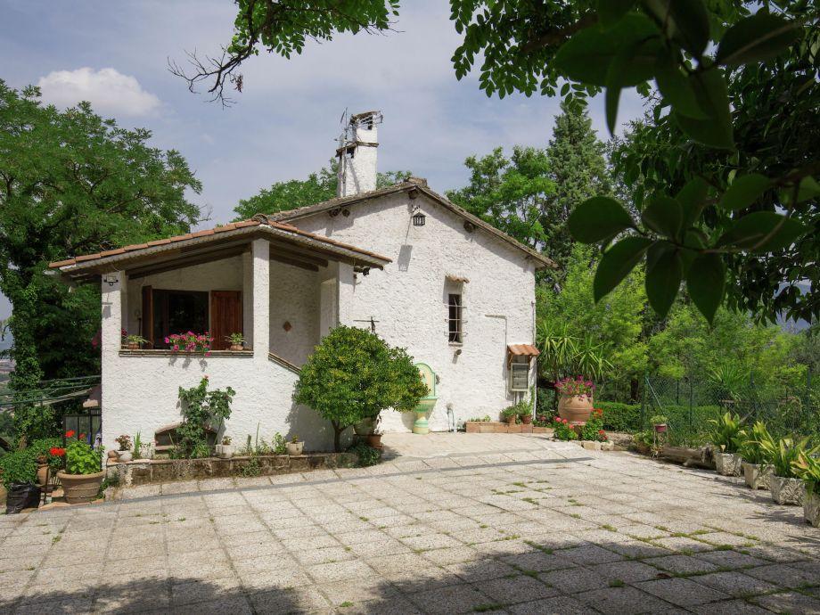 Außenaufnahme Villa Perticara