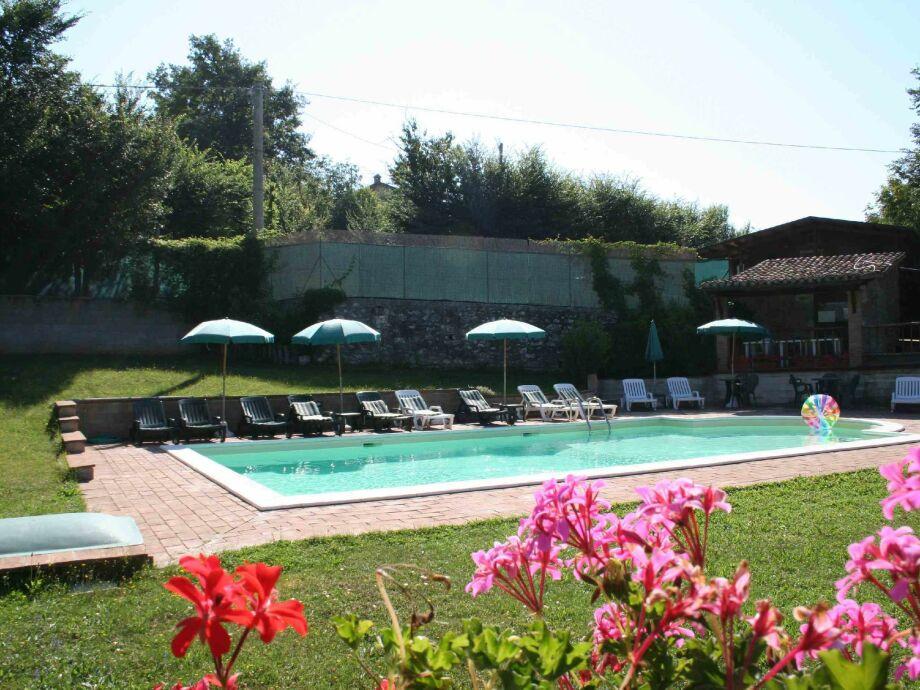 Außenaufnahme Borgo Tonino Rosso