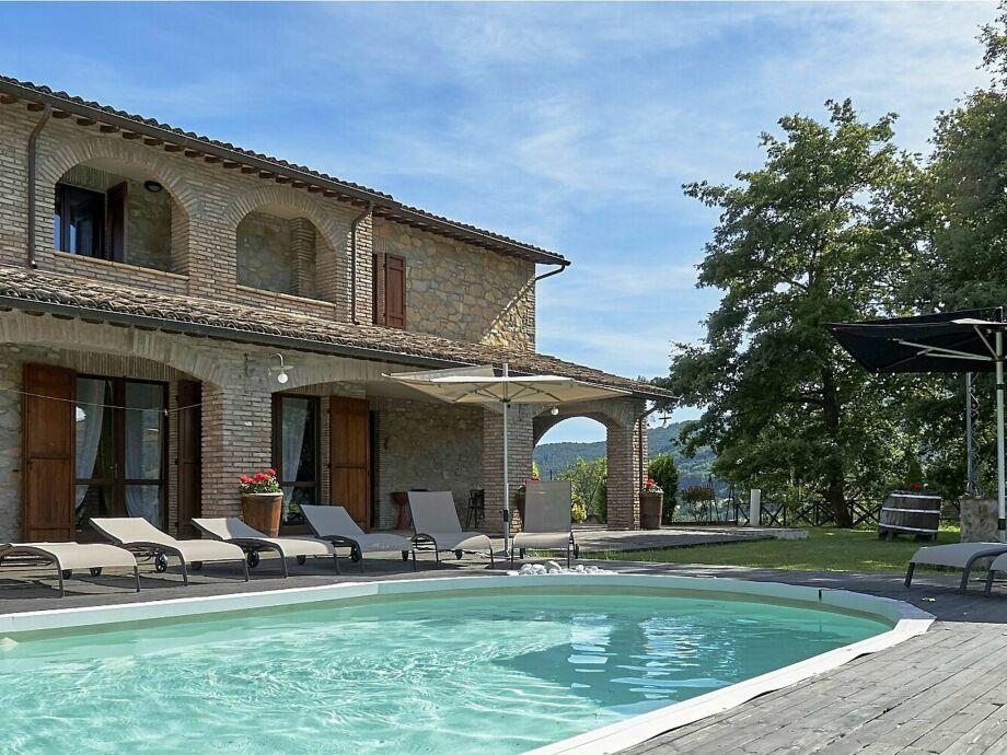 Außenaufnahme Villa Valtopina