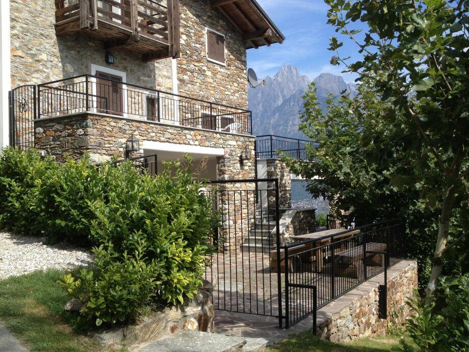 Außenaufnahme Villa Cacrusca Otto