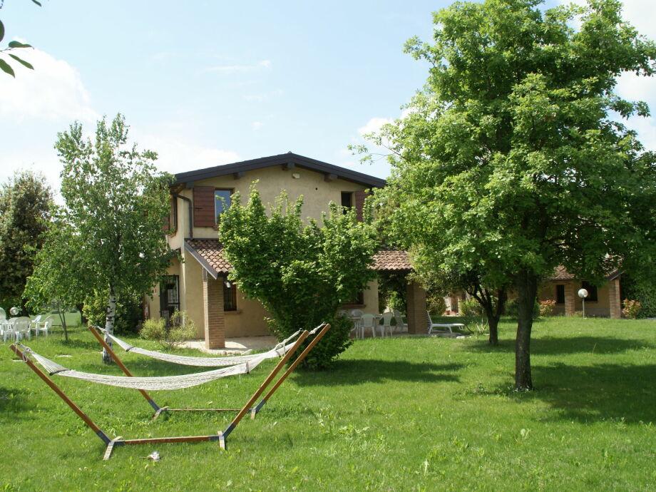 Außenaufnahme Borgo San Donino - Ginepro 2