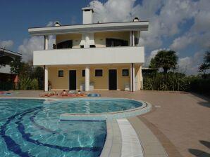 Ferienwohnung Villaggio Leonard B