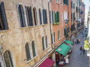 Ferienwohnung Gondola di Rialto Due
