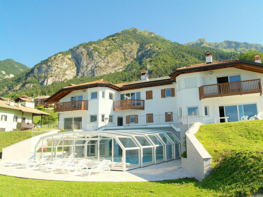 Außenaufnahme Villa Stenico