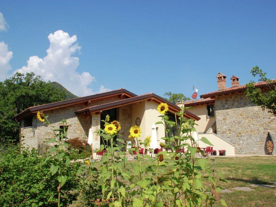 Außenaufnahme Borgo Belvedere - Mono