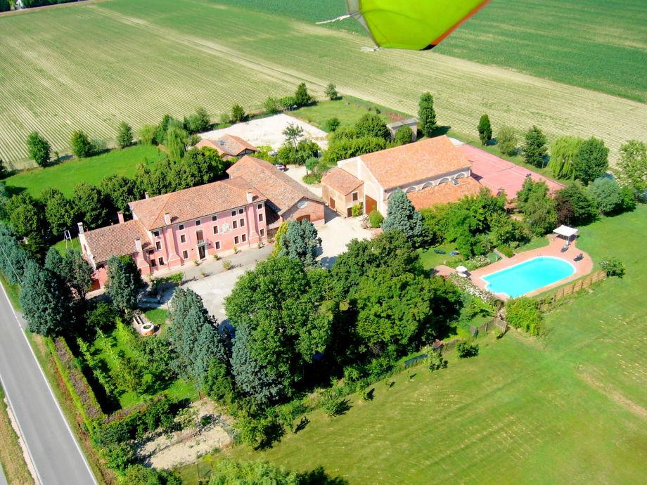 Außenaufnahme Villa Romana Uno