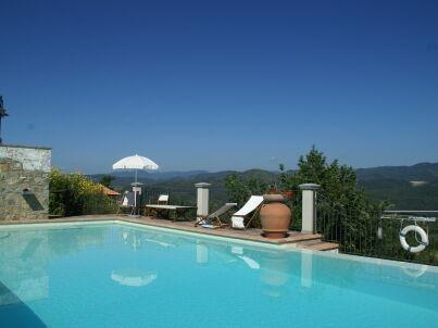 Borgo Montecarelli Leccio