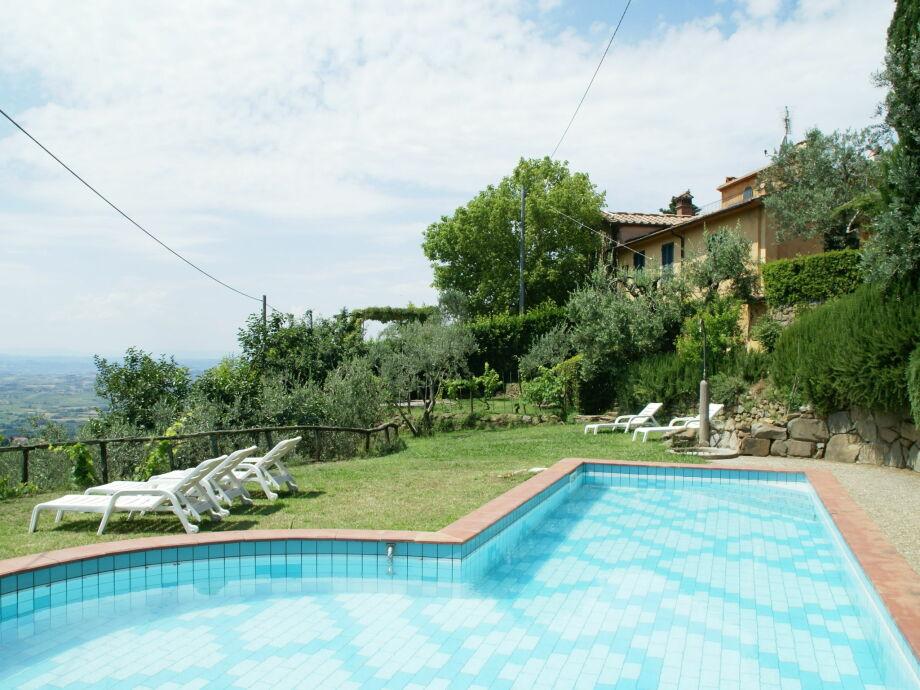 Außenaufnahme Borgo Patrizia Barco Reale