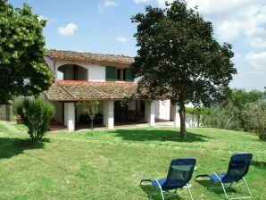 Ferienhaus Borgo di Casignano Loggiato Portico