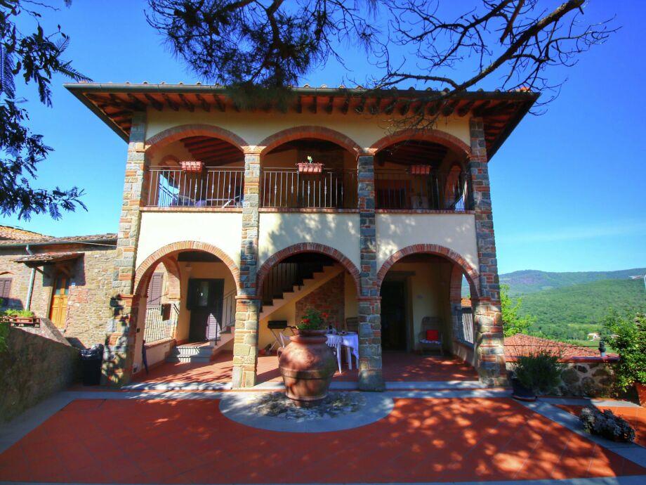 Außenaufnahme Borgo Gavignano Massimo