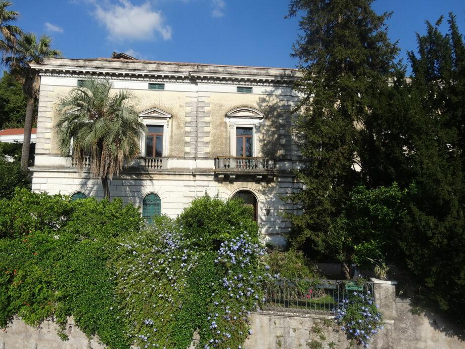Außenaufnahme Villa Lauretana