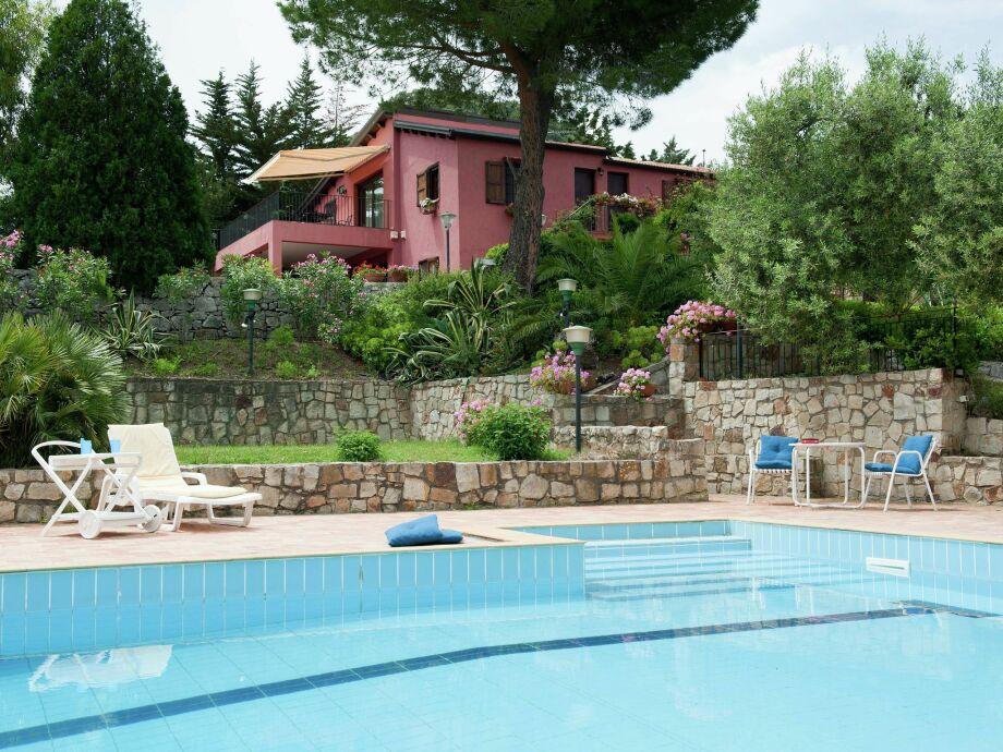 Außenaufnahme Villa Sarrica