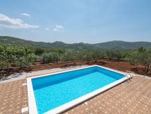 Holiday house Countryside house with pool