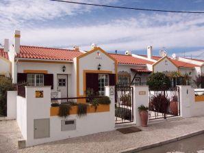 Ferienhaus Casa da Ribeira