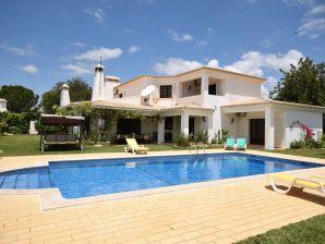 Villa Vivenda Ferreiras