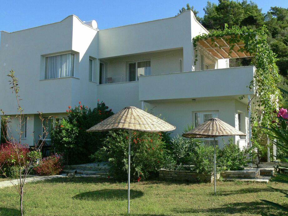 Außenaufnahme Villa Mykale - Artemisia